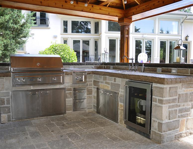 Outdoor Patio Kitchens - Enjoy The Outdoors - BBQ Station